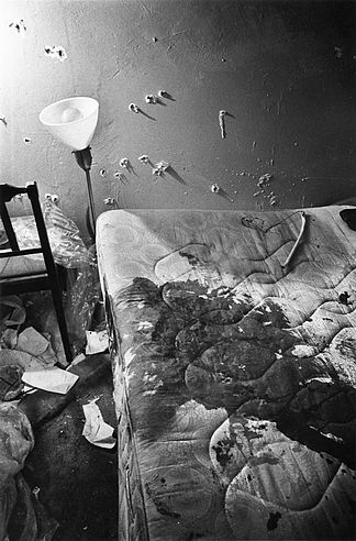 Fred_Hampton_murder_scene_bedroom_bloody_mattress