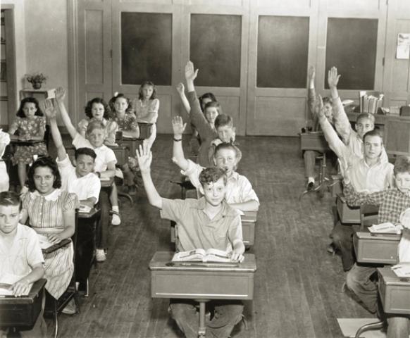 white-schoolkids-ca-1935