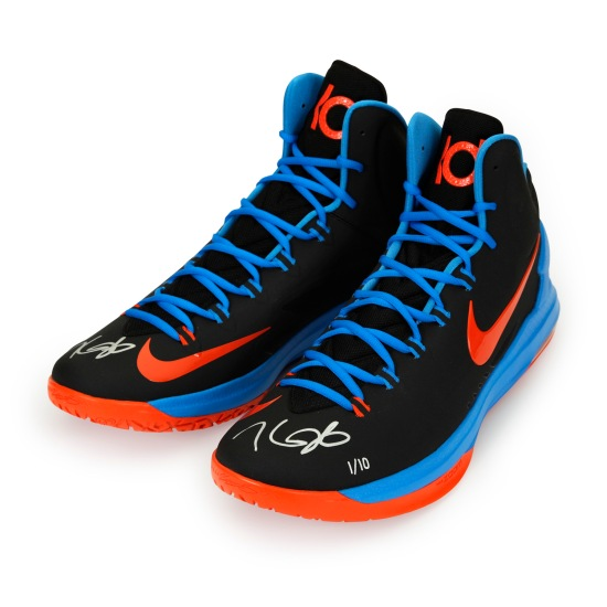 3-kdsh05_kevin_durant_autographed_black-orange_panini_authentic_shoes_v1